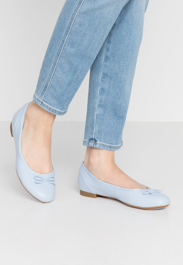 COUTURE BLOOM - Ballerines - blue