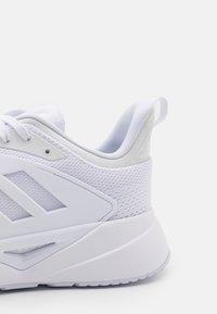adidas Performance - VENTICE 2.0 - Obuwie treningowe - footwear white/core black - 5