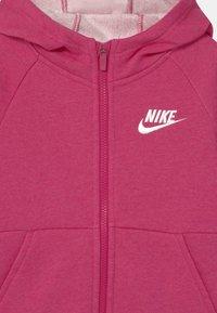 Nike Sportswear - FULL ZIP - Zip-up hoodie - fireberry/white - 2