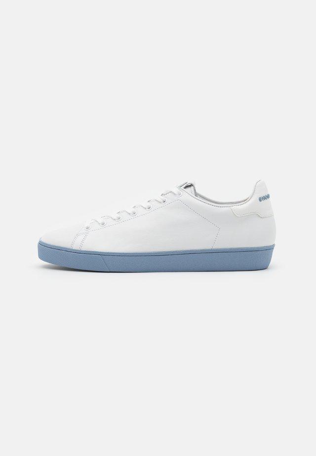 GLAMMY - Tenisky - weiß/jeans