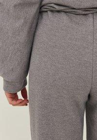 PULZ - PZISABELL - Tracksuit bottoms - medium grey melange - 4