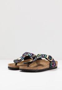 Birkenstock - GIZEH - Sandály s odděleným palcem - black - 3