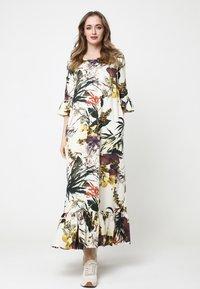 Madam-T - Maxi dress - milchig gelb - 0
