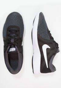 Nike Performance - REVOLUTION 4 - Neutral running shoes - black/anthracite/white - 0