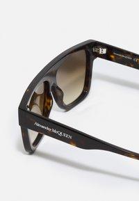 Alexander McQueen - UNISEX - Aurinkolasit - havana/havana/brown - 2