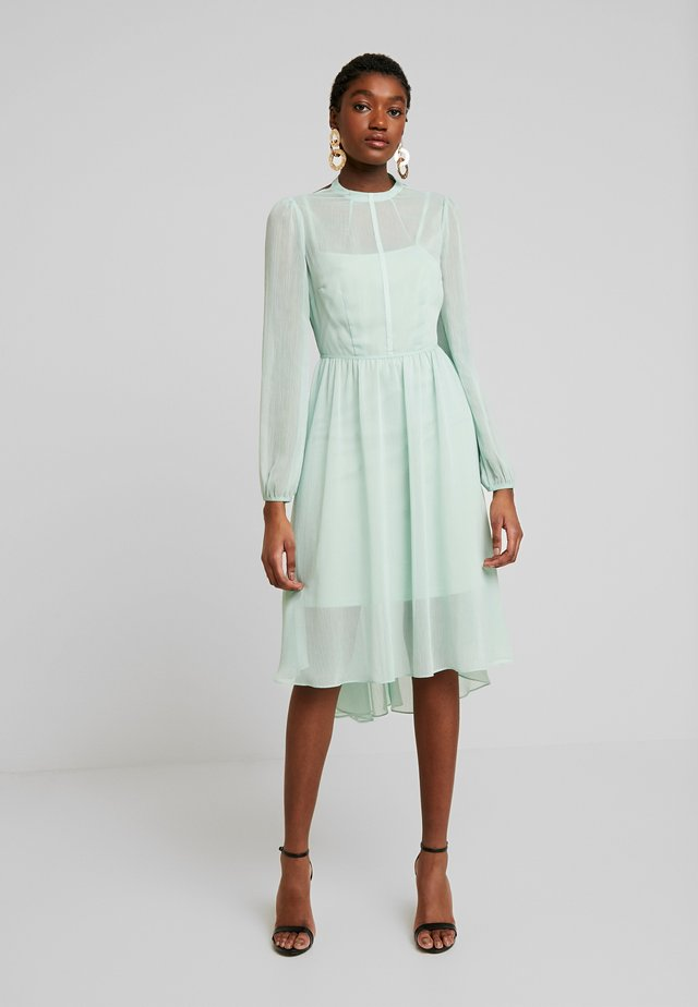 SHEER MIDI DRESS - Hverdagskjoler - green