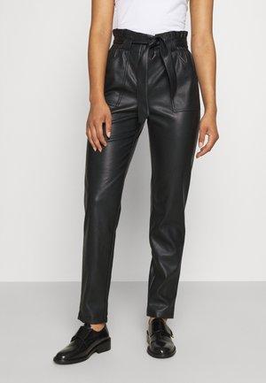ONLDIONNE PANT - Trousers - black