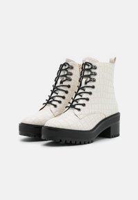 Vero Moda - VMTESS BOOT - Platform ankle boots - birch - 2