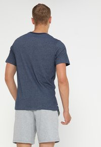 Nike Performance - DRY TEE CREW SOLID - Basic T-shirt - obsidian heather - 2