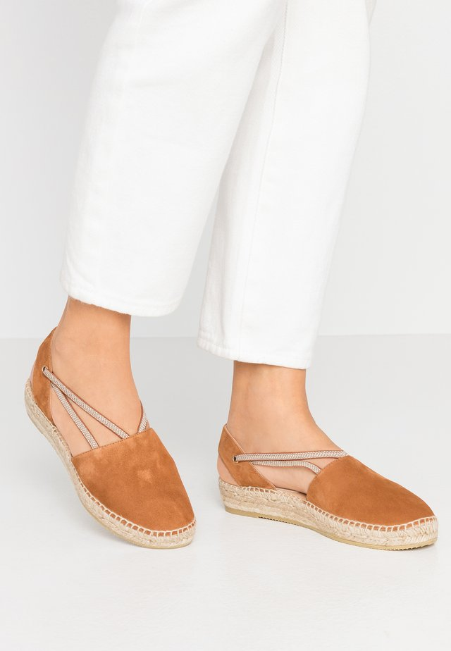 ADA - Loafers - cognac