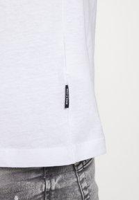 Only & Sons - ONSMIKKEL LIFE TEE - T-shirt med print - white - 5