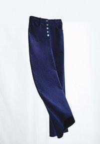 Massimo Dutti - MIT KNÖPFEN  - Trousers - dark blue - 3