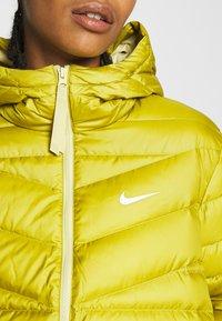 Nike Sportswear - Down jacket - tent/tea tree mist - 5