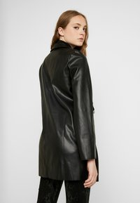 ONLY - ONLSOPHIA COAT - Korte frakker - black - 2