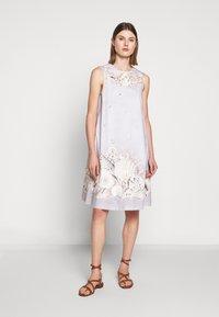 WEEKEND MaxMara - CAIMANO - Korte jurk - sand - 0