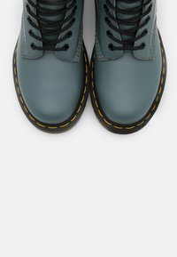 Dr. Martens - 1460 8 EYE BOOT UNISEX - Lace-up ankle boots - steel grey smooth - 4