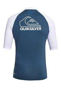 Quiksilver - QUIKSILVER™ ON TOUR - KURZÄRMLIGER RASHGUARD MIT UPF 50 FÜR MÄNN - Rash vest - majolica blue - 1