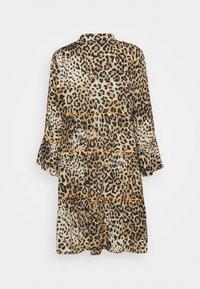 Emily van den Bergh - KLEID - Day dress - leo - 1