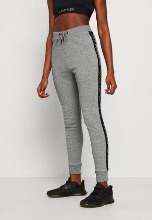 BILLOW TAPE JOG - Teplákové kalhoty - mid grey grindle