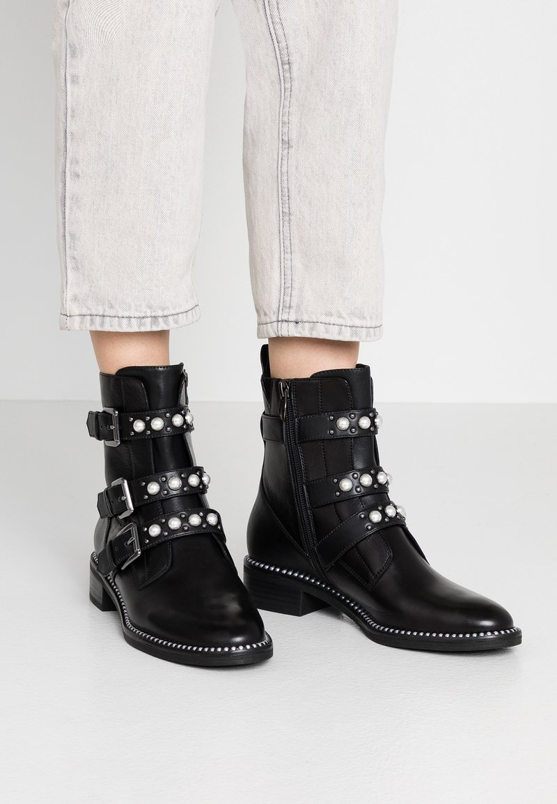 Tamaris - Cowboy/biker ankle boot - black