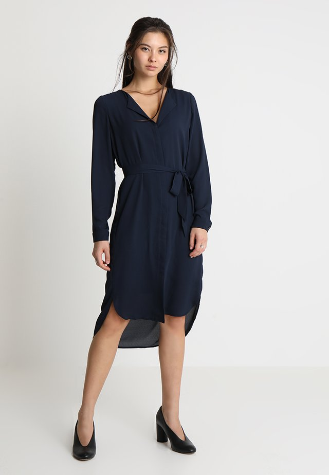 SLFDYNELLA DRESS NOOS - Shirt dress - dark sapphire