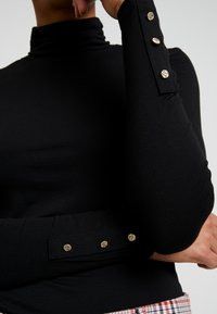 Dorothy Perkins - HIGH NECK - Topper langermet - black - 5
