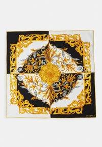 Versace - BANDANA - Foulard - bianco/nero/oro - 1