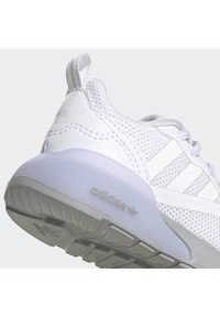 adidas Originals - ZX 2K SHOES - Trainers - white - 7