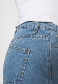 Missguided - HIGHWAISTED TURN UP  - Denim shorts - blue - 5