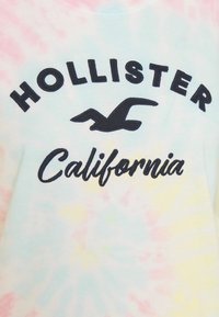 Hollister Co. - TECH CORE - Print T-shirt - dip dye - 6