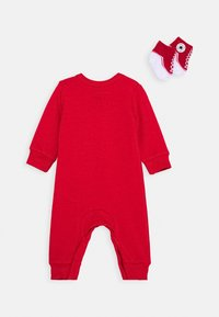 Converse - LIL CHUCK COVERALL SET UNISEX - Jumpsuit - enamel red - 1