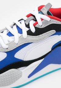 Puma - RS-X UNISEX - Sneaker low - white/dazzling blue/hi rise - 5