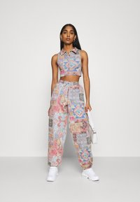 Jaded London - HALTER TOP WITH POPPER FASTENING PATCHWORK PRINT - Topper - multi - 1