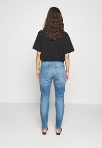 Marc O'Polo DENIM - FREJA BOYFRIEND - Relaxed fit jeans - multi/mid blue marble - 2