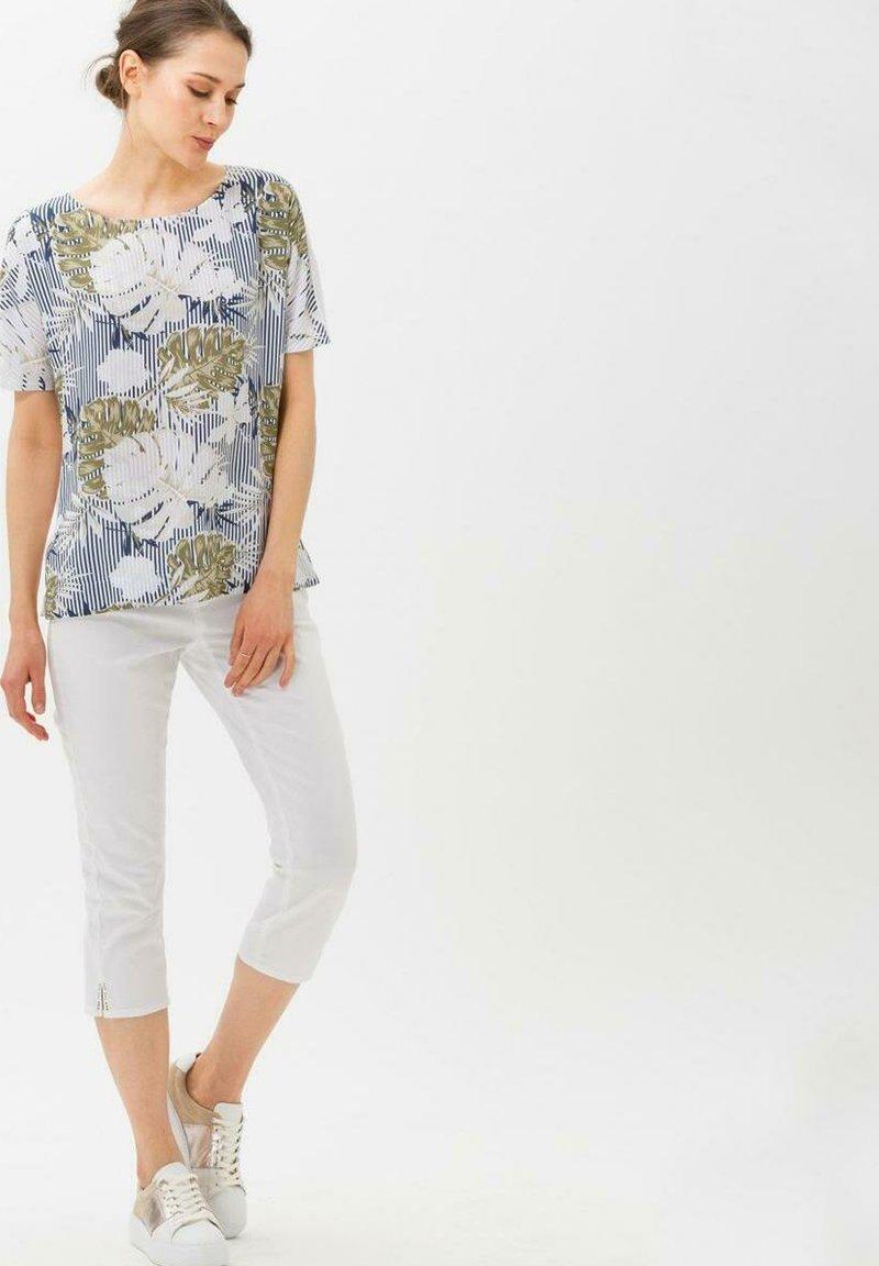 BRAX - Trousers - white
