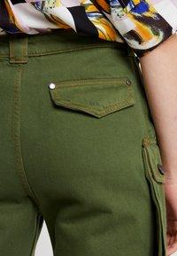 House of Holland - SAFARI MID LENGTH - Shorts - khaki green - 5
