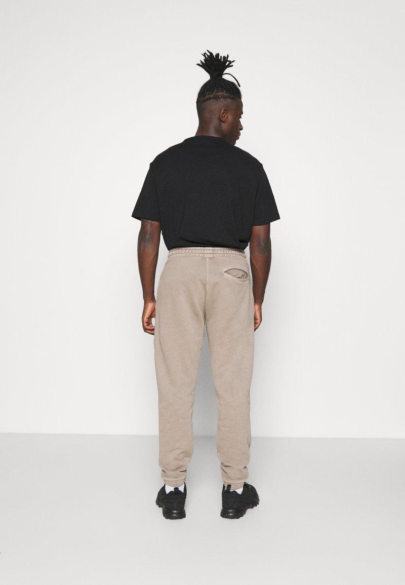 Reebok Classic - PANT - Pantaloni sportivi - trek grey