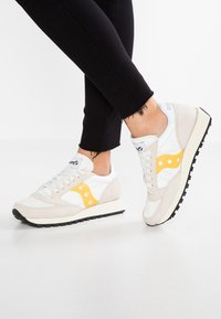 Saucony - JAZZ VINTAGE - Trainers - cement/yellow - 0