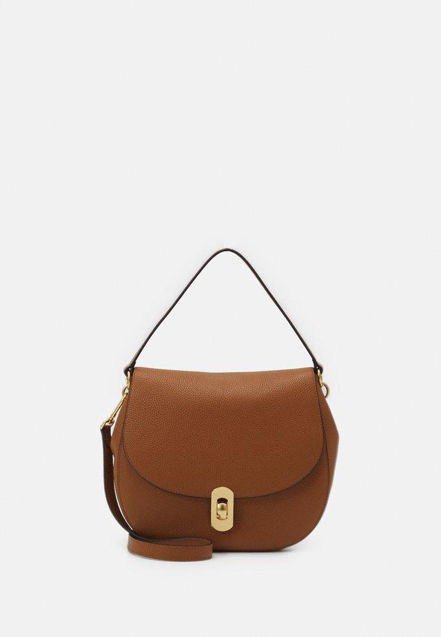ZANIAH FLAPOVER SHOULDER - Handbag - caramel