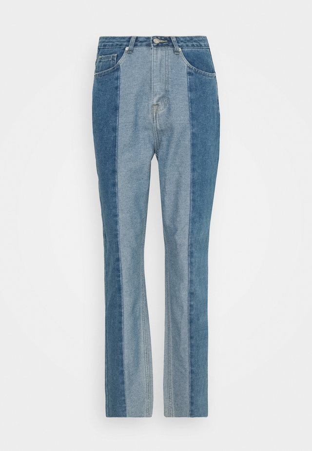 PANELLED RIOT MOM - Straight leg jeans - blue