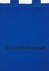 MM6 Maison Margiela - BORSA - Shoppingveske - blue - 5