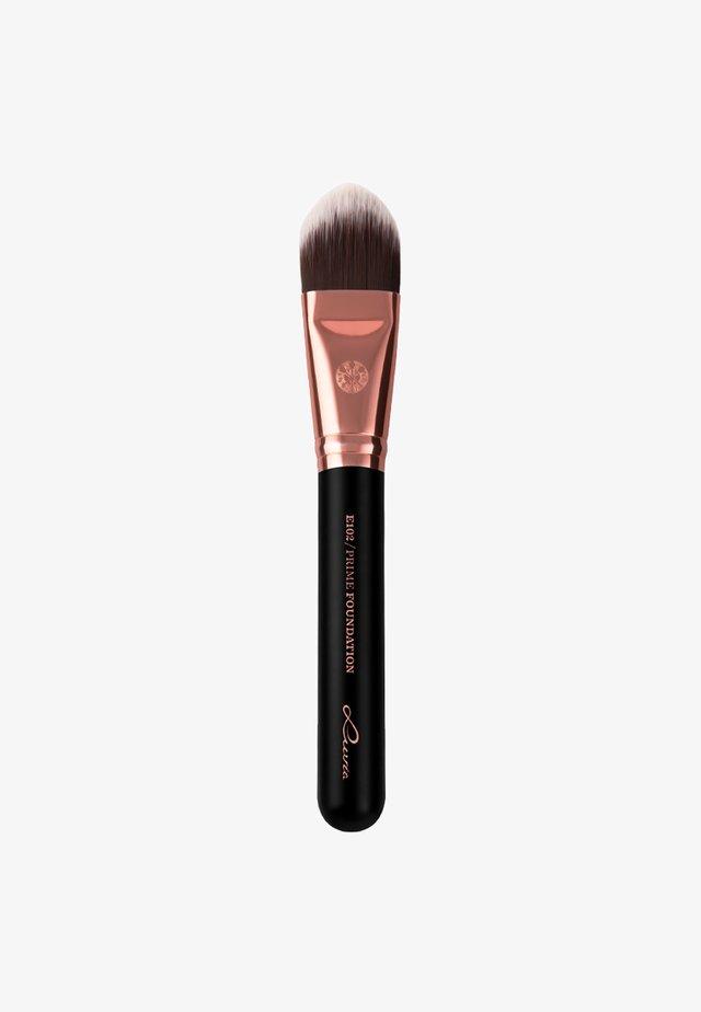 PRIME FOUNDATION - Make-upkwastje - black