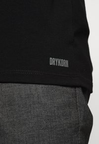 DRYKORN - KENO - Long sleeved top - schwarz - 5