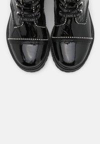 Zadig & Voltaire - JOE WRINKLE  - Lace-up ankle boots - noir - 6