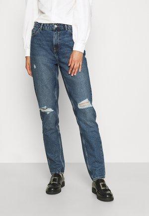 ONLJAGGER LUX LIFE MOM ANKDES BOX - Slim fit jeans - medium blue denim