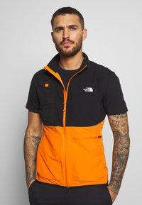 The North Face - MENS VARUNA VEST - Waistcoat - flame orange - 0