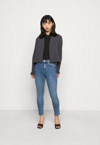 Topshop Petite - JAMIE CLEAN - Jeans Skinny Fit - blue denim - 1