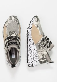 Steve Madden - CLIFF - Trainers - natural - 3