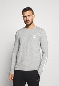 Hummel - HMLSIGGE - Langærmede T-shirts - grey melange - 0