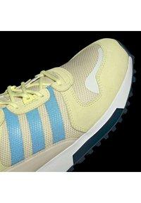 adidas Originals - ZX 700 HD - Tenisky - pulse yellow/crew navy/easy yellow - 10